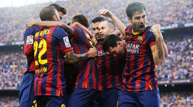 الفيفا يمنع برشلونة من التعاقد مع لاعبين جدد لمدة عامين