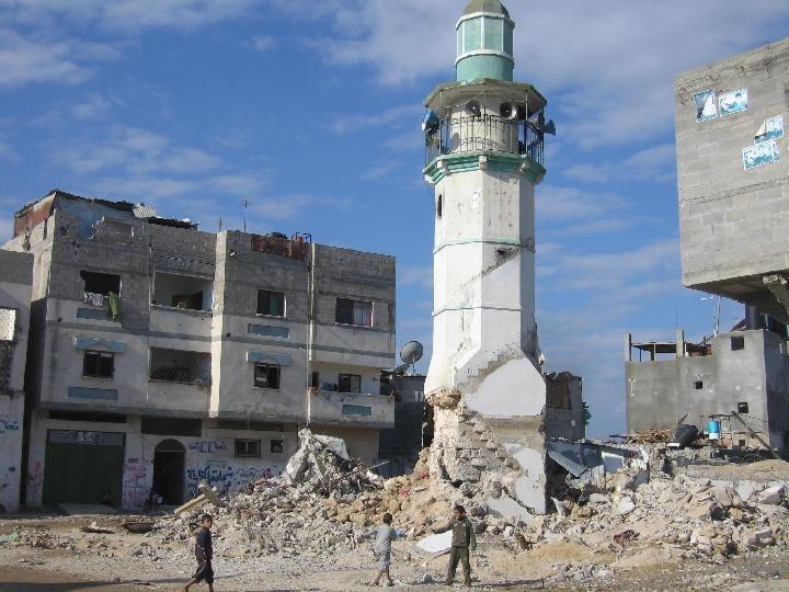 قوات الاحتلال تهدم مسجدا شرق نابلس