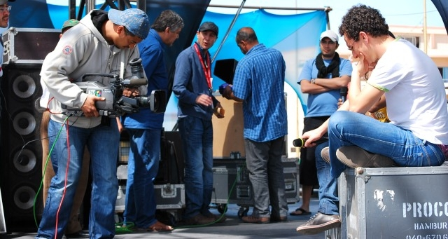 السلطات الجزائرية تحجز معدات طاقم صحفي من