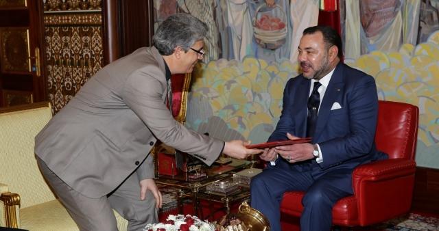 الملك يستقبل مبعوثا تونسيا ويعطي انطلاقة أشغال سوق