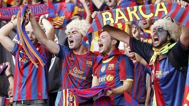 جماهير البارصا تستقبل اللاعبين بالشتم بعد الاخفاق