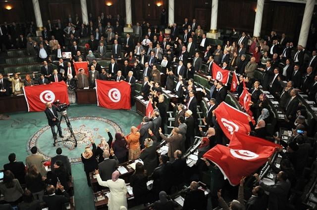 المصادقة على عدد من فصول مشروع القانون الانتخابي بتونس