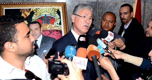 وزارة الصحة المغربية تحذر من استعمال السيجارة الاليكترونية