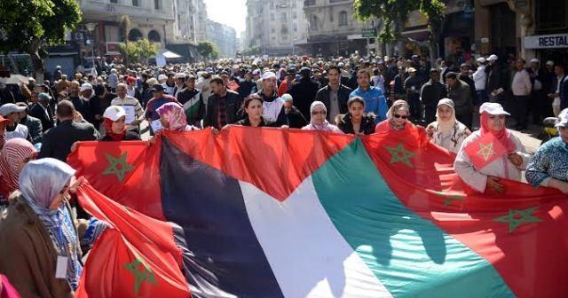 المركزيات النقابية الثلاث: ثلاث مائة ألف مشارك في مسيرة الدار البيضاء