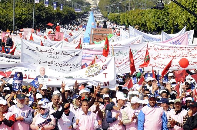 فاتح ماي في تونس: عطالة وأزمة اقتصادية ومخاضات سياسية