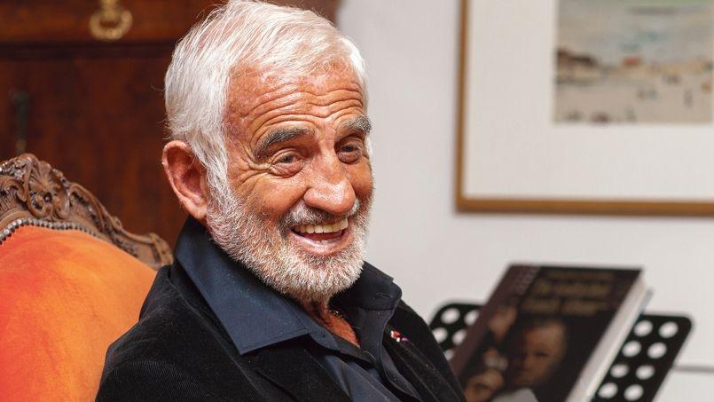 الممثل الفرنسي جون بول بيلموندو يطفئ شمعته 81
