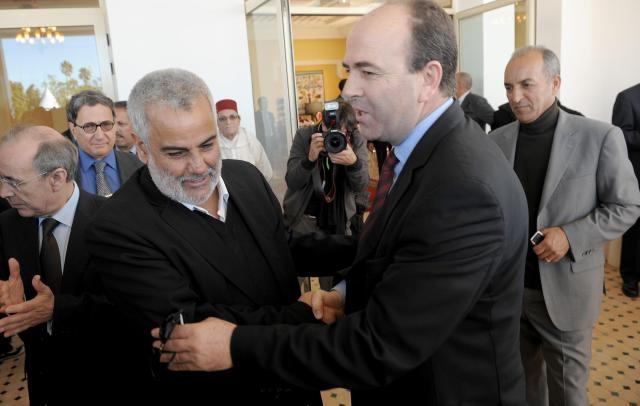 تشافيز الجزائر تتعهد برفع الحواجر بين  دول المغرب الكبير