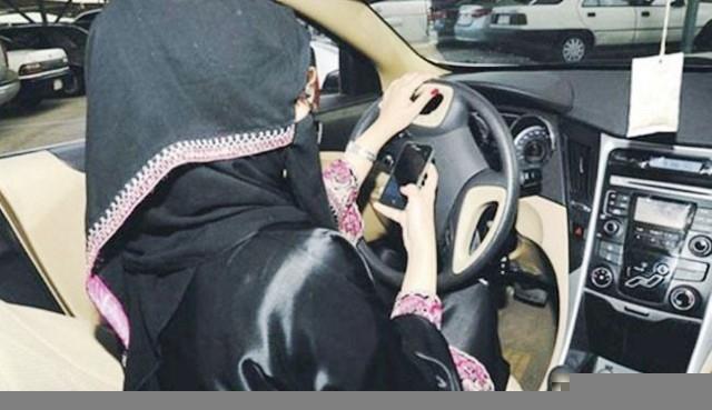 150 جلدة والسجن 8 شهور لامرأة قادت سيارة بالسعودية