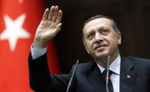 القرضاوي لـ أردوغان : سجدنا شكرا لله بعد فوزكم بالانتخابات