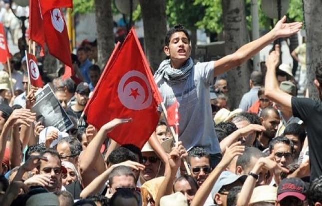 المحكمة العسكرية التونسية تعصف بضحايا الربيع العربي