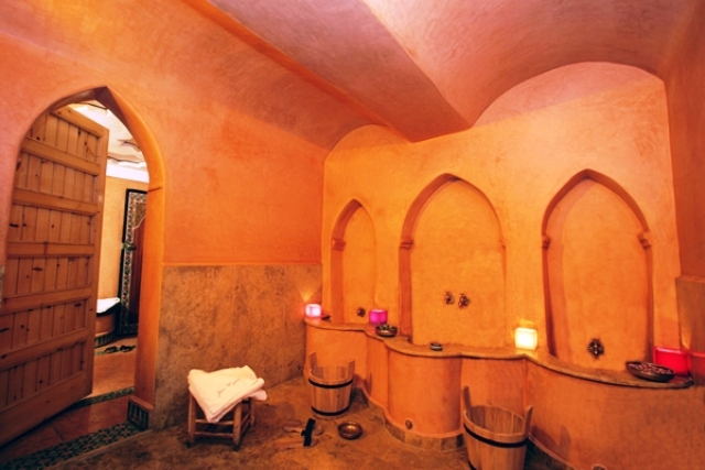 دليلك الكامل للإستمتاع بالحمام المغربي