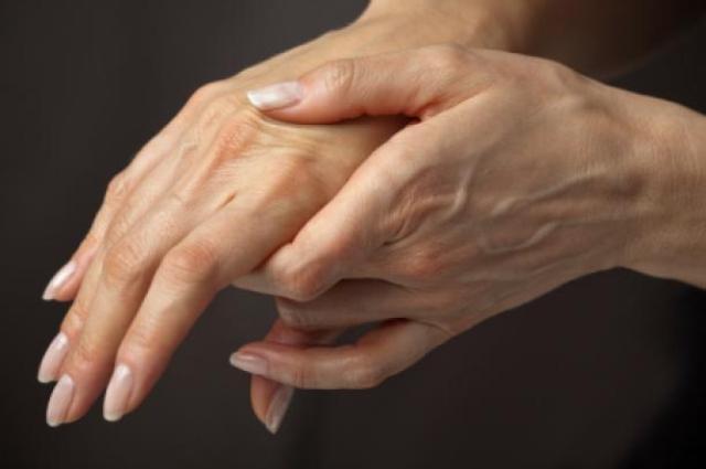 69 بالمائة من المصابات بداء التهاب المفاصل الرثوي يجهلن عواقبه