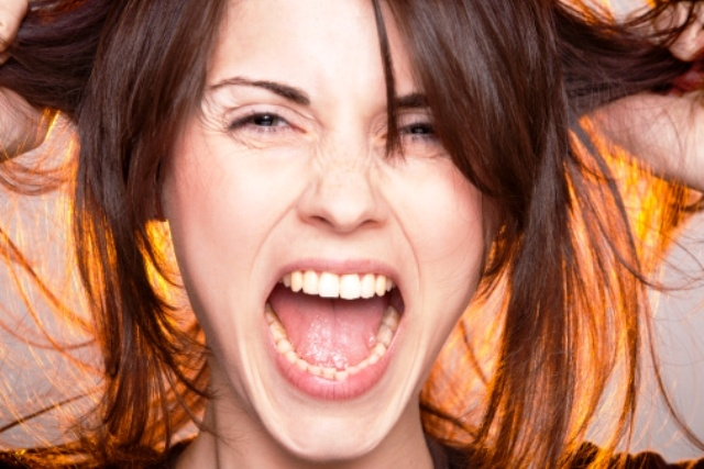 كيف يؤثر الضغط النفسي على شكلك الخارجي؟