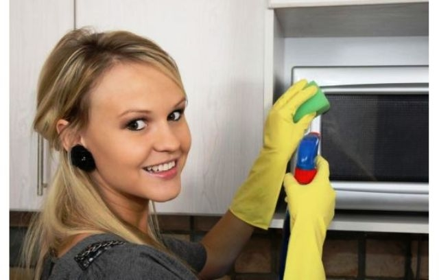 كيف تنظفين الفرن الكهربائي بسهولة