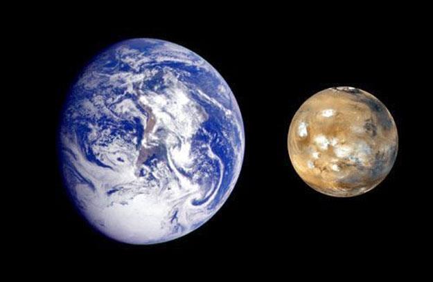 تابع خسوف القمر من موقعنا بعد ساعات