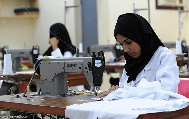 65 بالمائة من النساء يعملن في ظروف تفتقر إلى الأمان الوظيفي