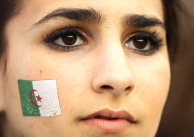 نساء الجزائر يصبن ب