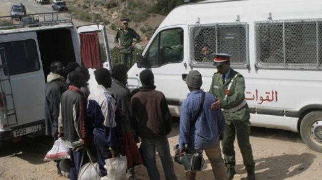 مهاجروا 95 جنسة يطالبون بتسوية الأوضاعهم