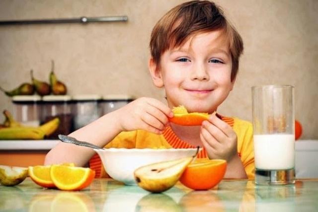 اطعمة بديلة عن اللبن تعزز طفلك بالكالسيوم وتقوي مناعته