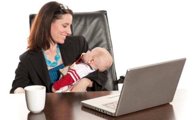 دراسة: الأمومة تحسن أداء المرأة فى حياتها العملية