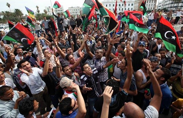 مظاهرات حاشدة دعما للجيش والشرطة بليبيا
