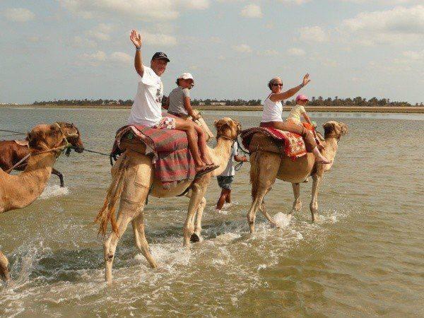 جزيرة ميدون جربة بتونس بحر جميل وفنطازيا