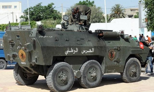 تونس.. إعتقال 3 على الحدود مع ليبيا وبحوزتهم متفجرات