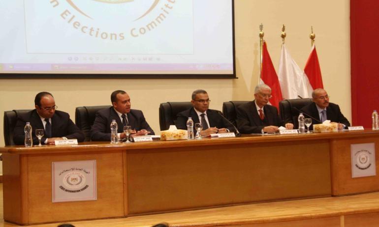 اللجنة العليا تستعد لاتخاد قرار إلغاء الانتخابات بمصر