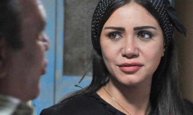 إلقاء القبض على متهم بابتزاز الفنانة إيناس عز الدين بصور إباحية