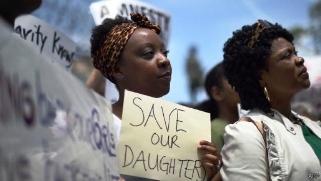 500 صياد محلي يستعدون للبحث عن الفتيات المختطفات في نيجيريا