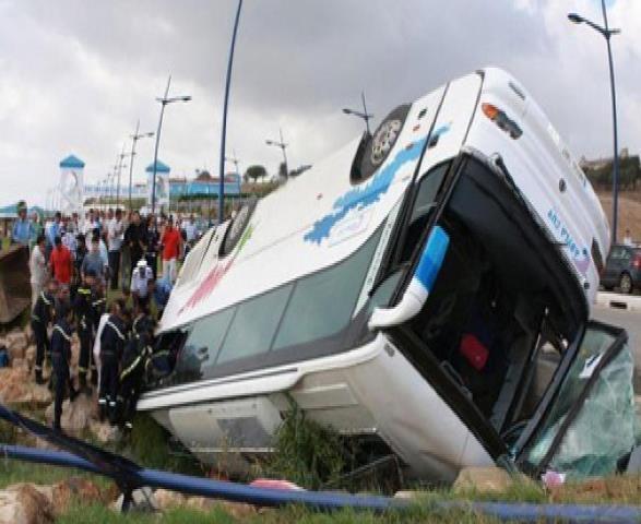 خمس قتلى اثر انقلاب حافلة للمسافرين
