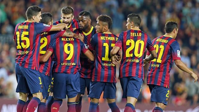 جمهور برشلونة يطالب بتسريح ميسي و7 لاعبين