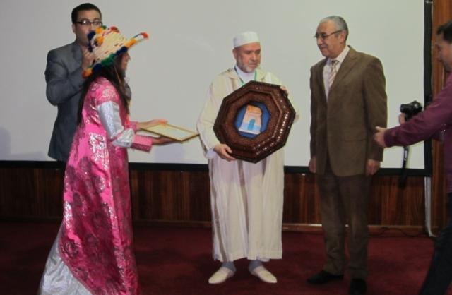 تكريم  المخرج  السينمائي حميد الزوغي في ملتقى الفيلم القصير بشفشاون