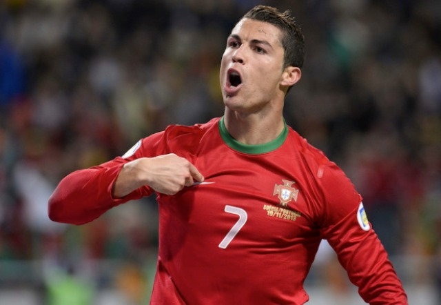 رونالدو : آمل ان يذكر اسمي مع مارادونا وبيلي
