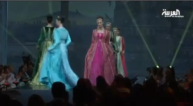 عرض تشكيلات جديدة من القفطان المغربي