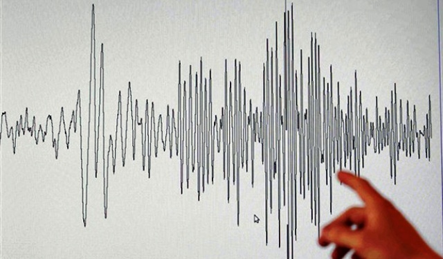 انهيار المباني بمستغانم الجزائرية إثر هزتين أرضيتين