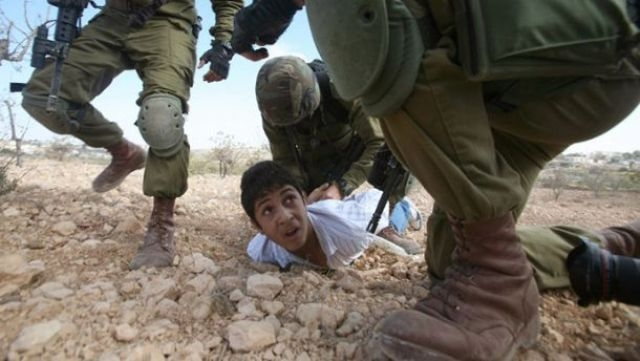 حقوقيون يحذرون من سجن أطفال فلسطين