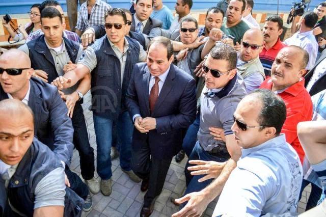 السيسي يدلي بصوته في انتخابات الرئاسة المصرية