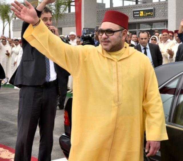 العاهل المغربي  يدشن المطار الجديد لبني ملال