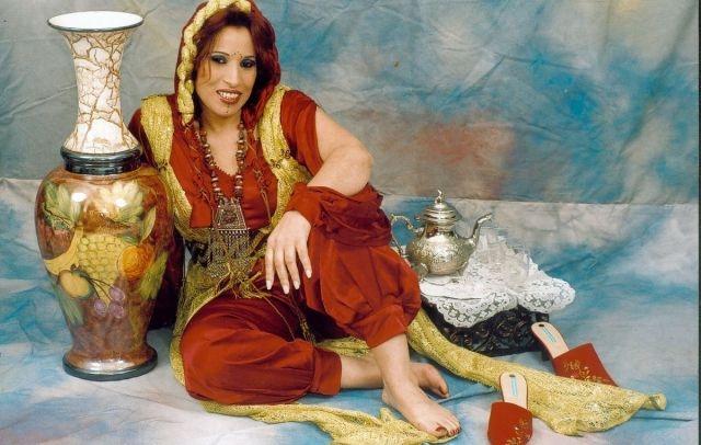 نجاة اعتابو: لست مريضة..ولا أفكر في اعتزال الفن