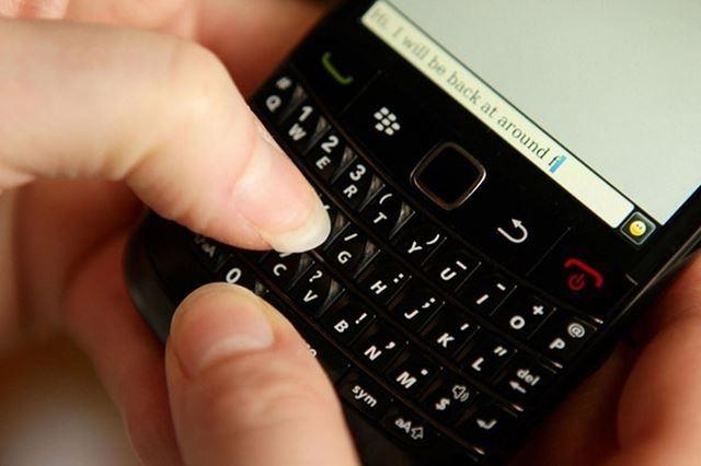مراهق يدخل موسوعة جينيس كأسرع كاتب للرسائل النصية على الهاتف المحمول