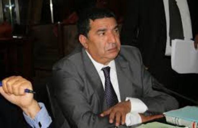 وزيران يبيعان خدمة مجانية ب140 درهما