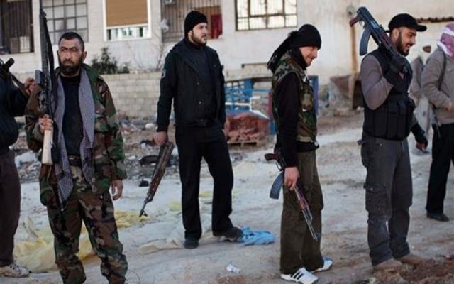 فرنسا توقف 12 مشتبها بهم ضمنهم مغاربة عادوا من الجهاد في سوريا