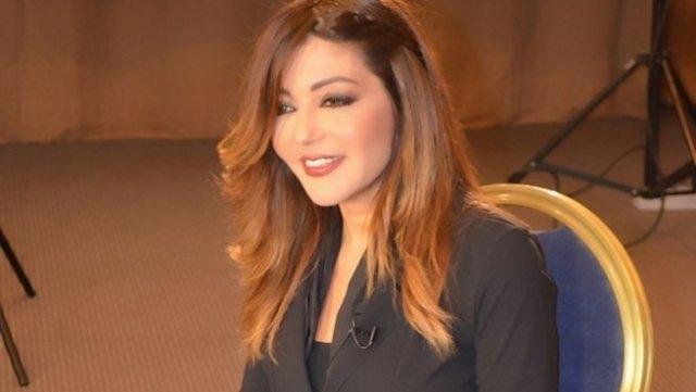 سميرة سعيد تعتذر عن استلام جائزة