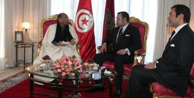 العاهل المغربي يقوم بزيارة رسمية لتونس ويجري مباحثات رسمية مع المنصف المرزوقي