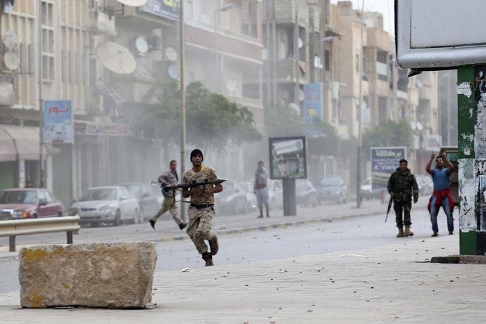 بنغازي: توتر ومواجهات مسلحة ونزوح للسكان