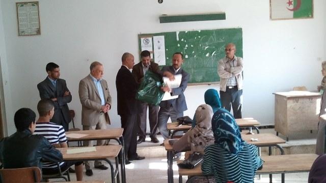 أجهزة غش متطورة لاجتياز الباكلوريا الجزائرية