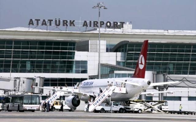 عائلات ليبية عالقة في مطار اسطنبول التركي