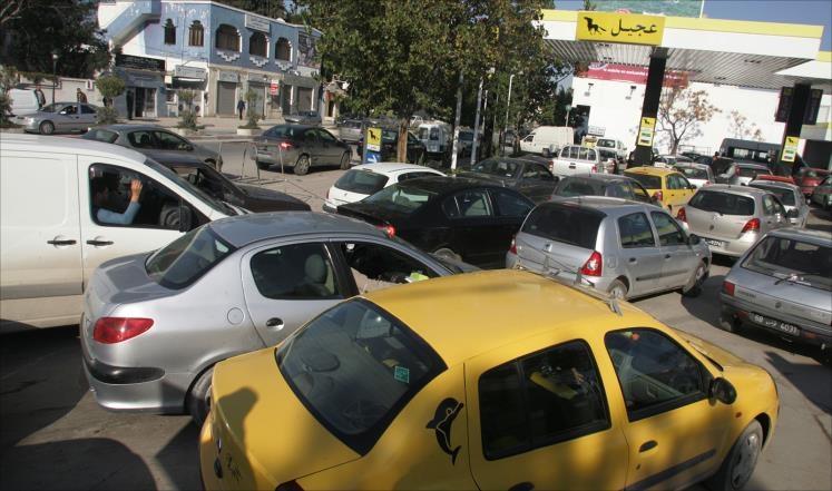 حكومة تونسية تعتزم رفع سعر البنزين بـ 6.3%
