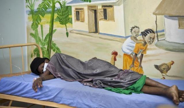 قانون أوغندي جديد يجرم ناقل فيروس الأيدز
